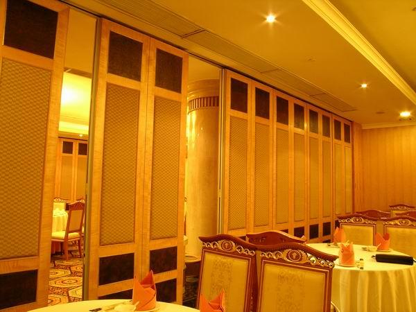 宴会厅隔墙图