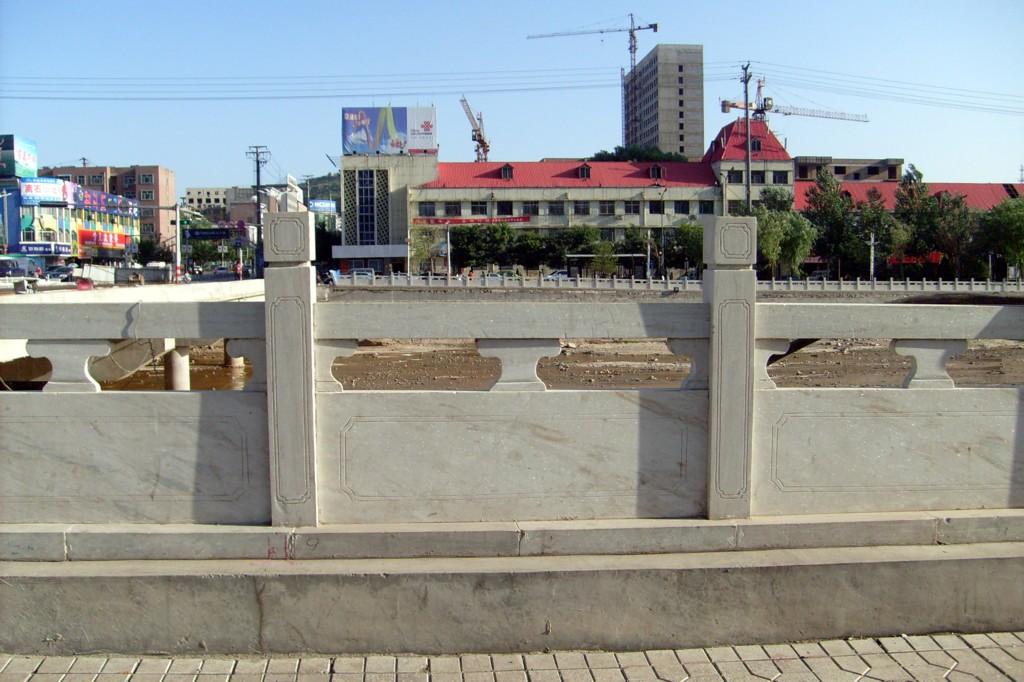 供应草白玉栏板、草白玉栏杆、草白玉桥栏杆