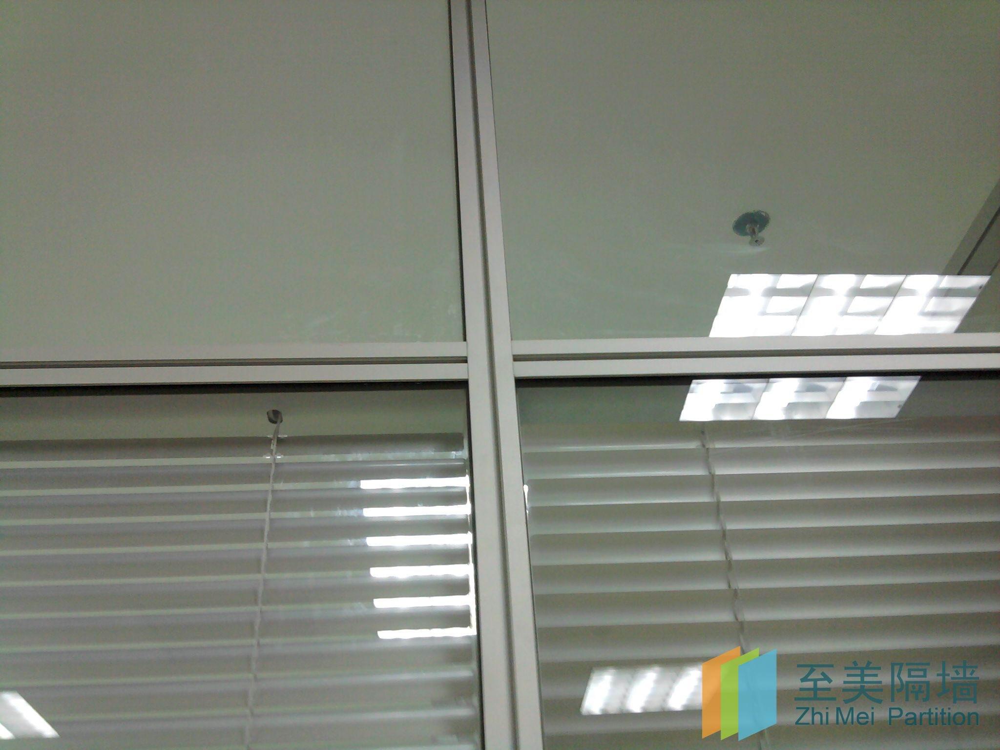南宁市办公室玻璃隔断墙厂家