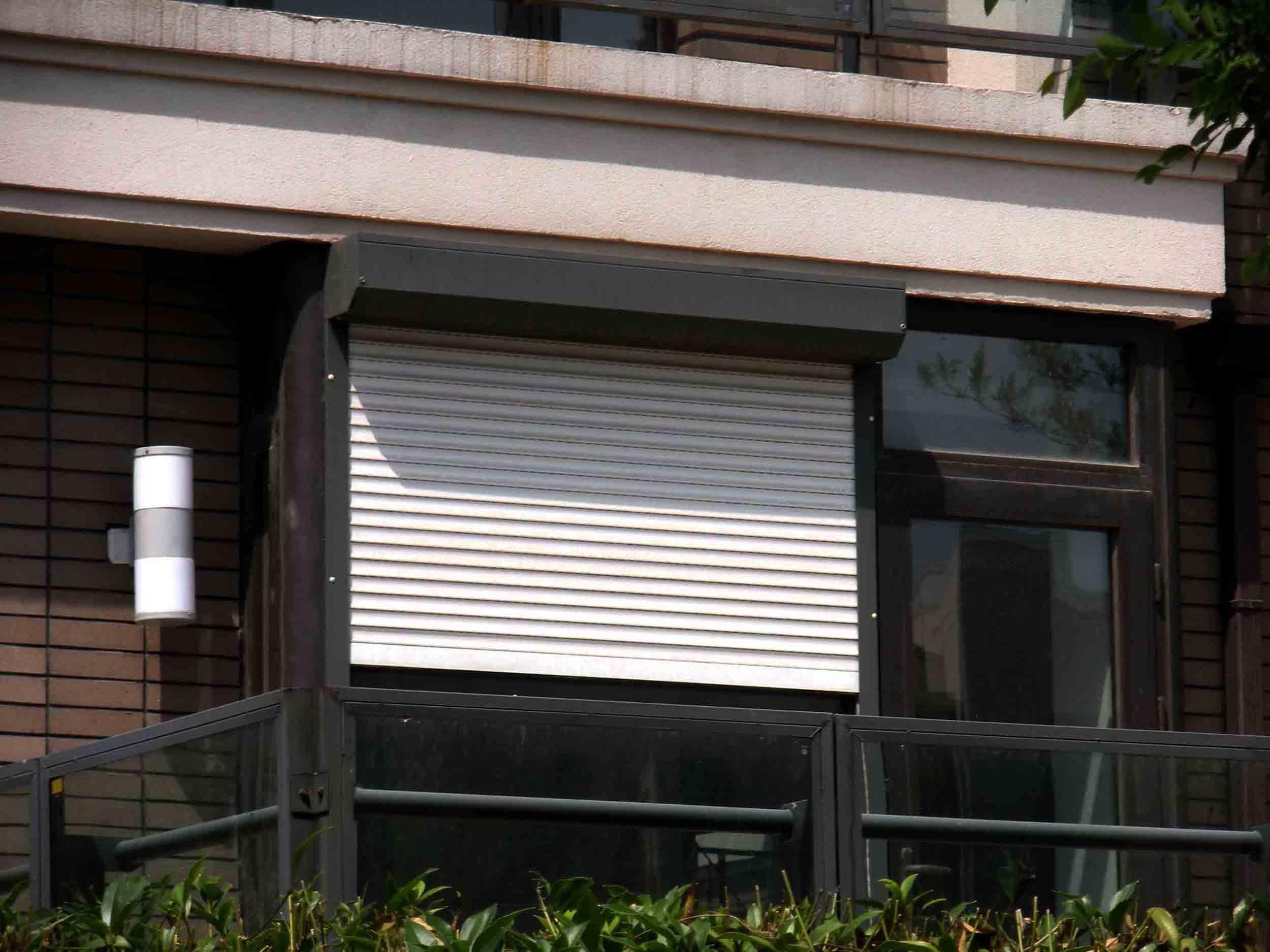 个人订购铝合金外遮阳卷帘窗