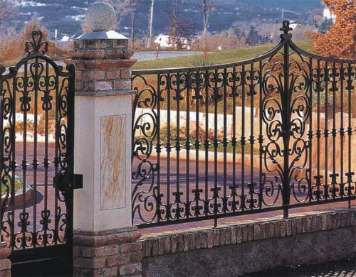 铁艺栅栏大门在线观看/锌钢栅栏/栅栏的拼音