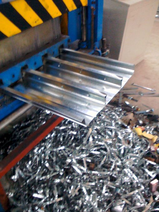 供应yxb66-166-500压型钢板