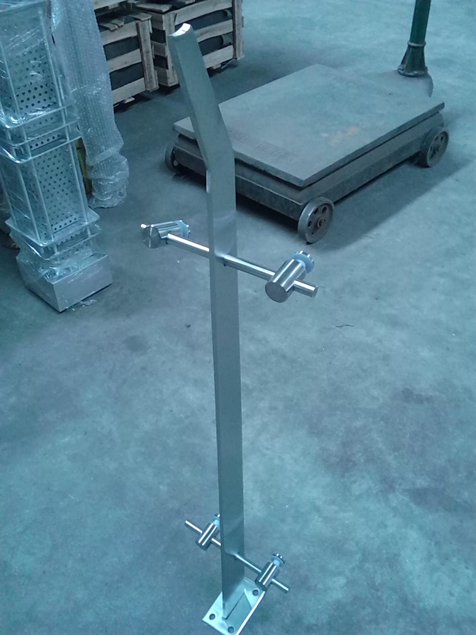 供应佛山不锈钢阳台栏杆,不锈钢楼梯栏杆护栏