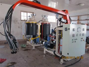 山东聚氨酯发泡设备,山东聚氨酯发泡厂家