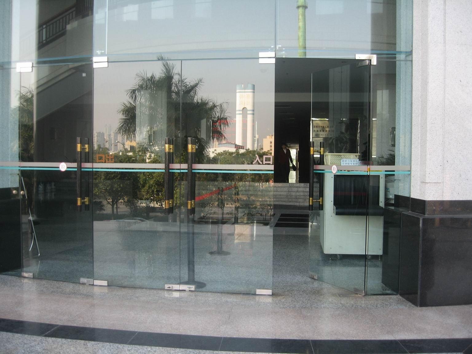 供应知春路维修玻璃门修理玻璃门故障