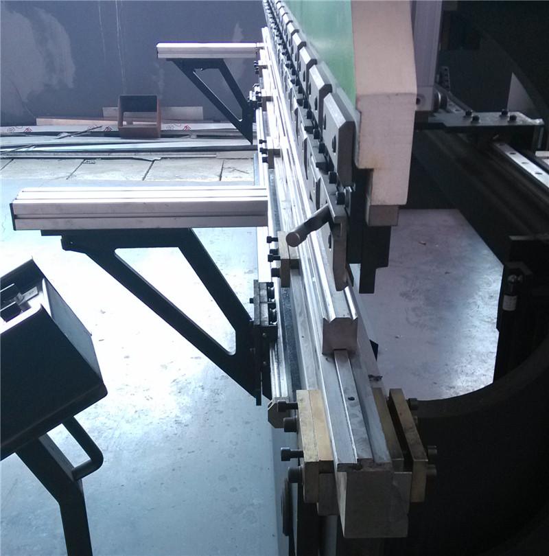 供应小型薄板数控折弯机价格图片