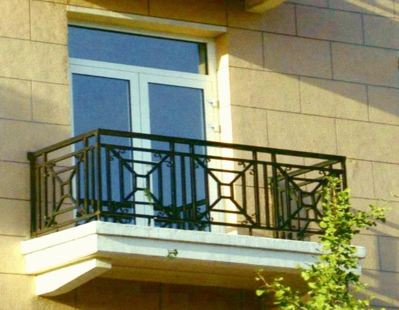 深圳铁艺栏杆,别墅铁艺栅栏,学校围墙栅栏