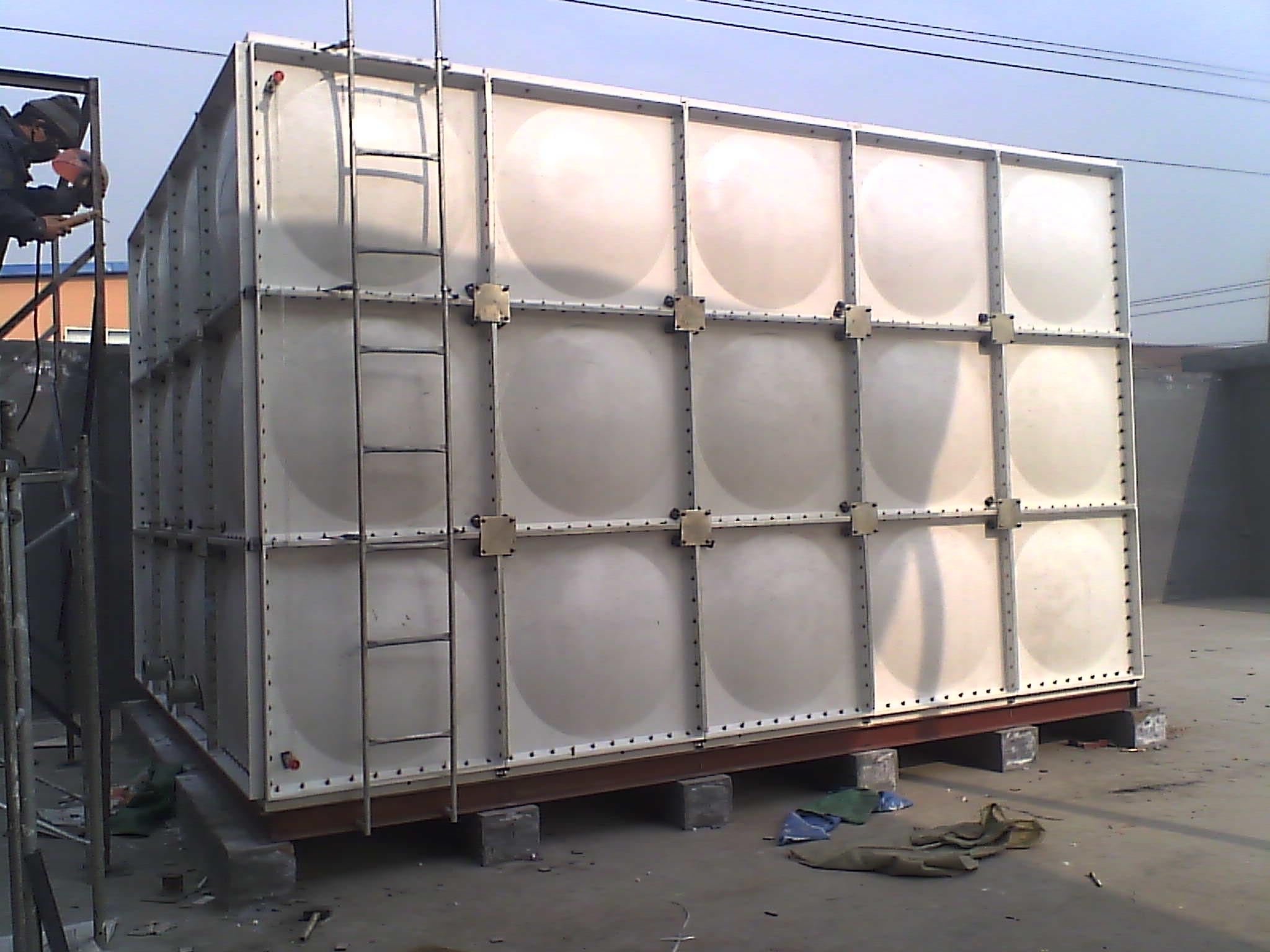 玻璃钢水箱 高清图片