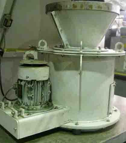 供应自动切屑甩油机,自动铁屑脱油机