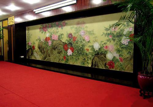 饭店墙体彩绘是人文风格的体现是将传统的绘画载体改为墙体,形成耳目