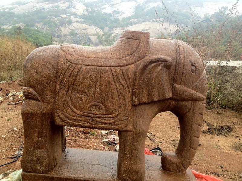 仿古石雕大象 大理石动物雕刻