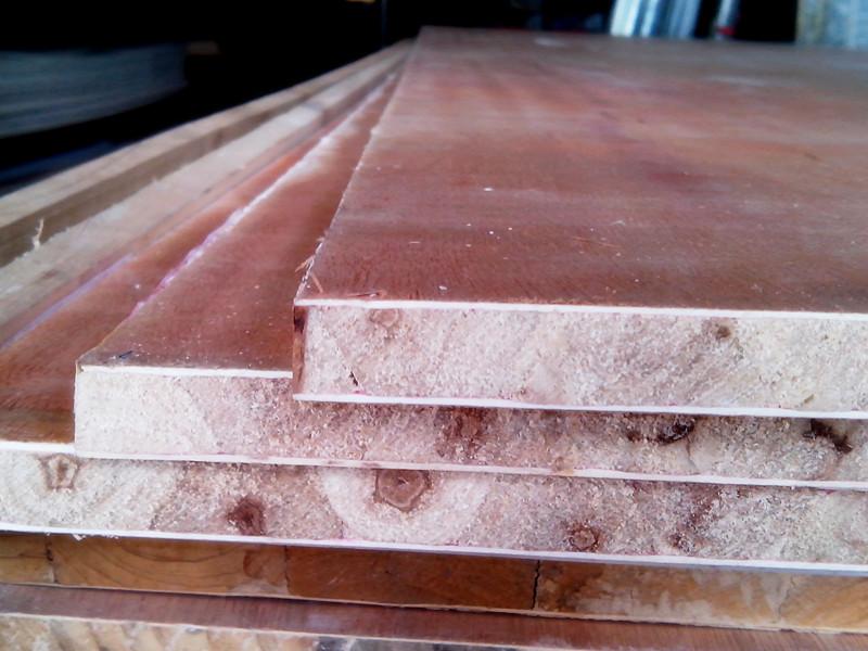 要求   信息类型:竹木材料-竹木板材   详情说明:   杨木细木工板板 ,