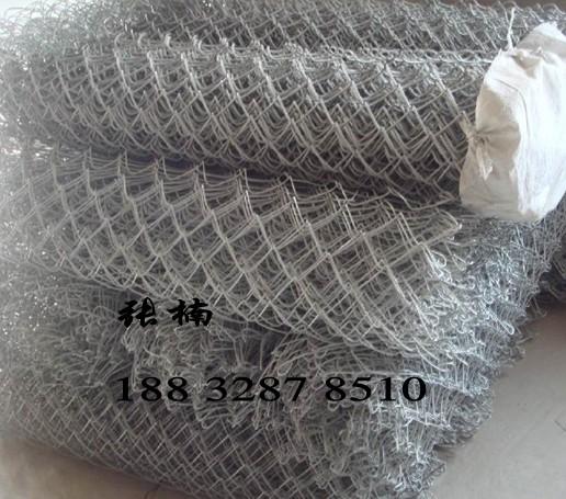 供应贵州镀锌菱形网{山体护坡菱形网厂家
