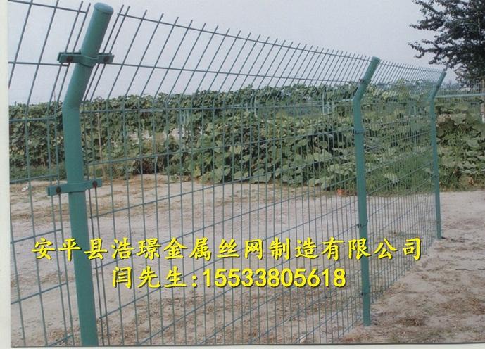 圈地圈山圈果园用双边护栏网多少钱一米?