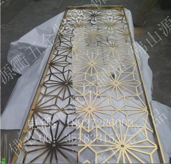 上海批发家庭用 工程用可定不锈钢防盗门是防盗门的一种,因材质不同分为:不锈钢防盗门、铁门、钢木结构、不锈钢、铝合金和铜质。不锈上海 上海