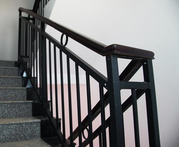 供应广州护栏,玻璃护栏,楼梯护栏代理商图片
