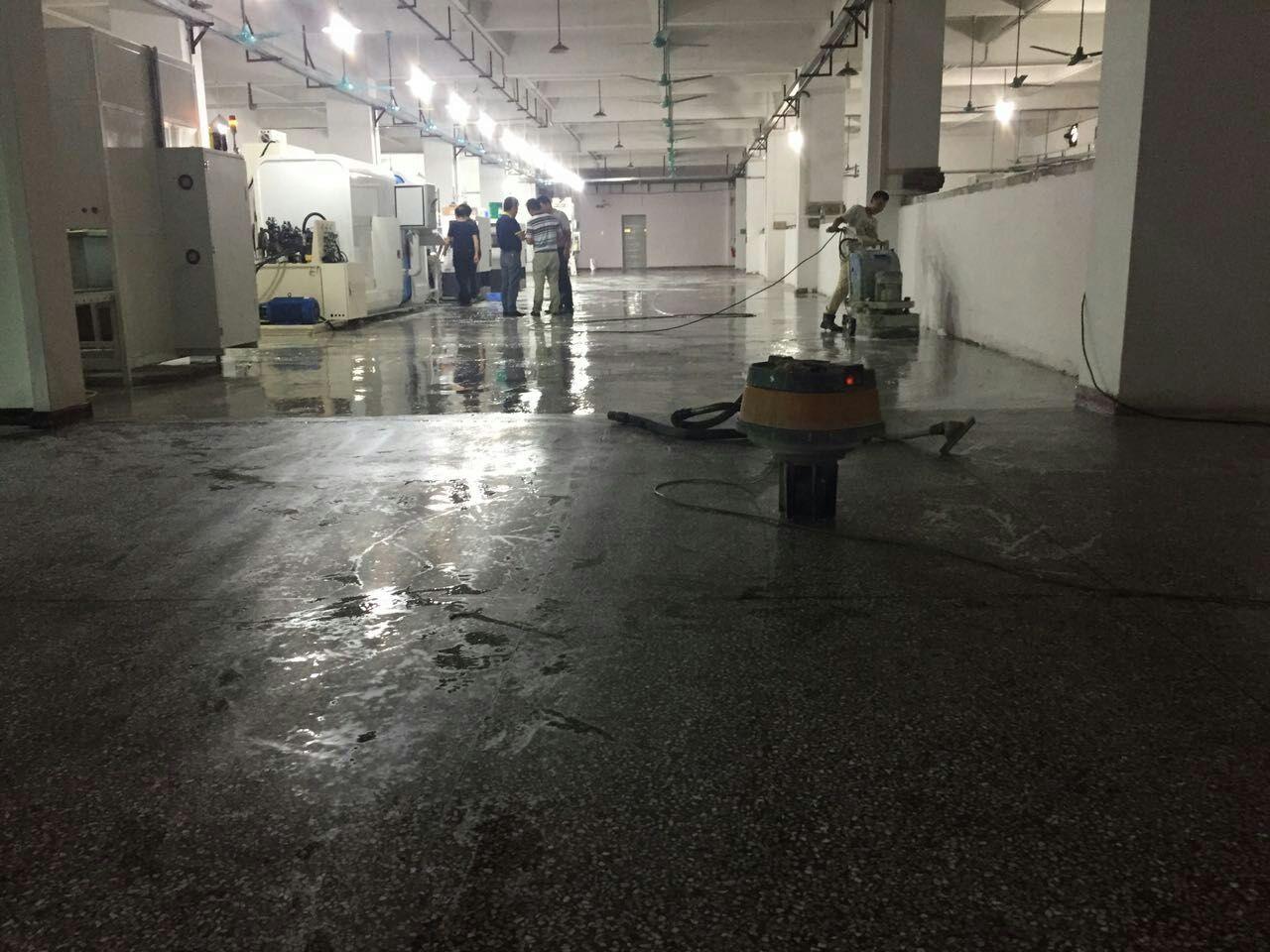 水磨石地板起灰来宾水磨石地面固化施工步骤