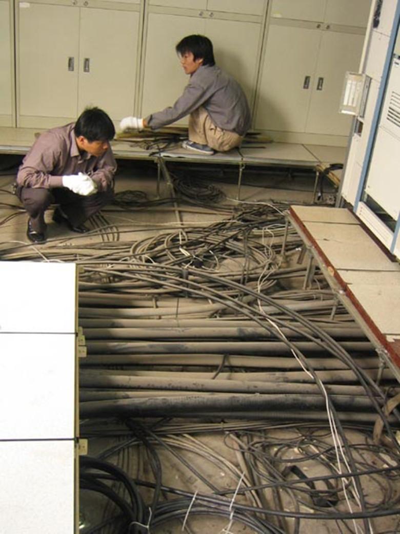 供应无尘室防静电场所地板、全钢防静电地板