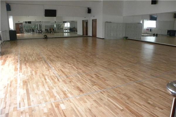 室内篮球场地木地板的施工流程