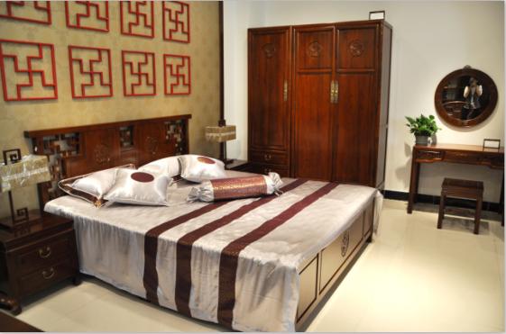定制新中式家具 榆木家具 万字牡丹包厢床