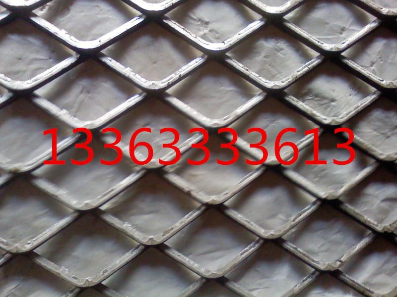 吉林镀锌菱形钢板网菱形网孔设计坚固耐用