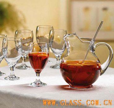 晶莹剔透玻璃杯让你清凉一夏