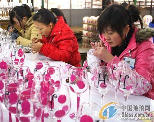 南通玻璃彩绘器皿畅销海外