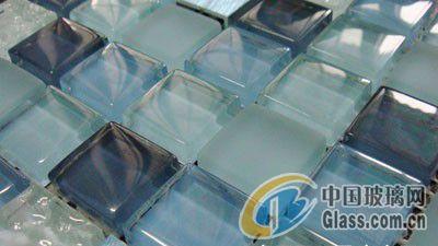 消费者如何选购高质量的玻璃马赛克?