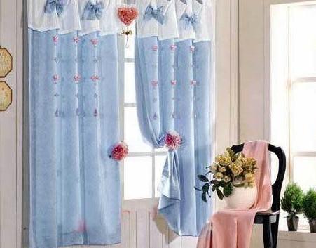 不同色彩窗帘布艺饰物肆意混搭 让这个秋季绚丽多彩