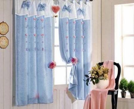 缤纷布艺 半垂窗帘打造唯美客厅