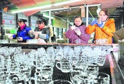 中伟集团玻璃制品远销欧美东南亚