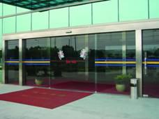 北京宏程玻璃门公司