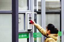 供应北京不锈钢玻璃门安装