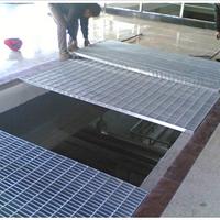 供应热镀锌机器压焊钢格板/脚踏板安装