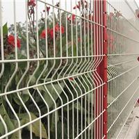 供应护栏网,隔离栅,三角折弯护栏网