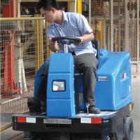 广西斯卡驾驶式动扫地车 广西扫地车经典产品