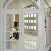 供应深圳精装家用50系列铝合金平开门窗定做