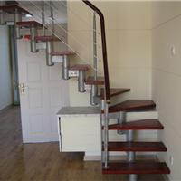 青岛钢木楼梯旋转楼梯玻璃钢结构楼梯吊铺