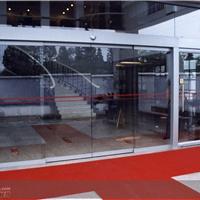 八里庄安装玻璃门 换玻璃 更换地弹簧