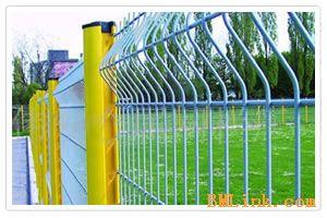 供应高速公路护栏网铁路围栏网体育场围栏网