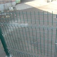 新品北京现货三角折弯护栏网-浸塑绿色护栏