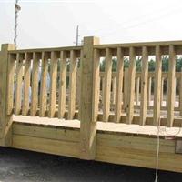 供应青岛防腐木围栏
