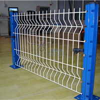 供应广西福建铁丝网围栏平米价格 围墙铁网