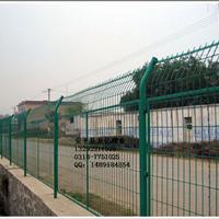 三角折弯护栏网 折弯护栏网 安平龙亿护栏网