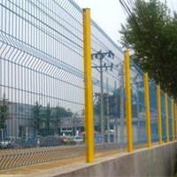 供应三桥三角折弯护栏网,园林护拦网