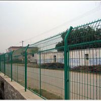 供应公路隔离栅供应商  护栏网供应商报价