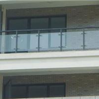 供应加工安装精品立柱玻璃楼梯,不锈钢楼梯