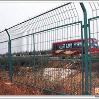供应高速公路护栏网、高速公路防护网