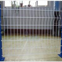 仓库隔离网-桃型柱护栏网-隔离栅生产厂家