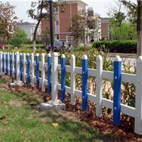 草坪组装塑钢栅栏网